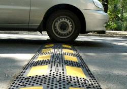 В Кленовском установили искусственные дорожные неровности